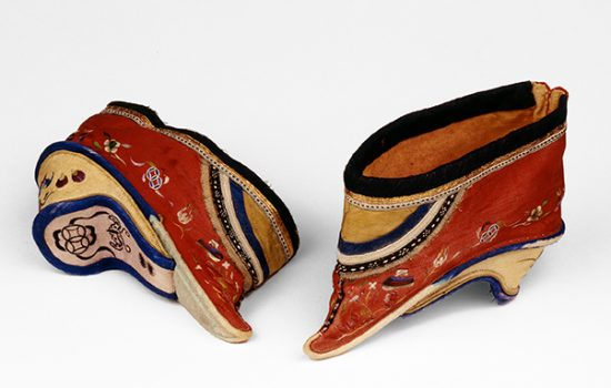 bf214517ca Foot-binding is said to have been inspired by a tenth-century court dancer  Yao Niang, who bound her feet into the shape of a new moon and entranced  Emperor ...