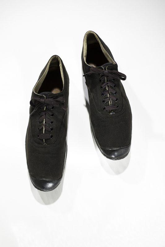 These Shoes Are Killing Me! (Ep. 296) - Freakonomics Freakonomics 57bfd1098