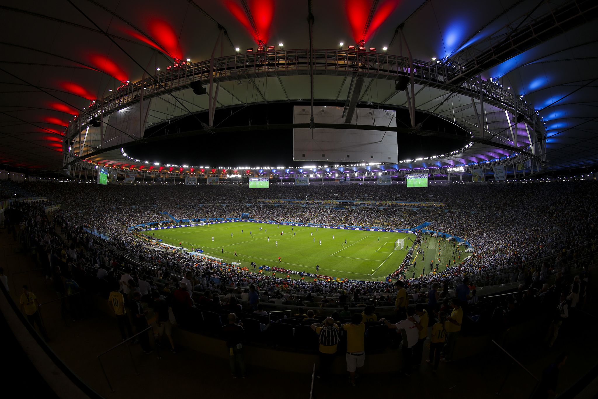 e385160c83e One billion people watched the 2014 World Cup final in Brazil, roughly 10  times more than the Super Bowl. (Photo: Danilo Borges/Wikimedia Commons)